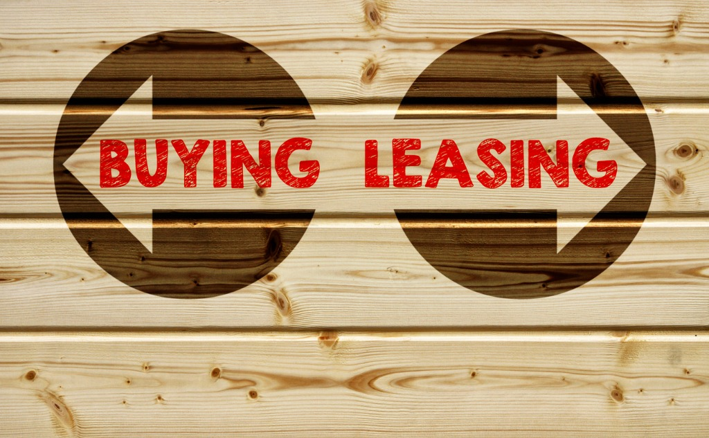 buying leasing arrows pointing in different directions